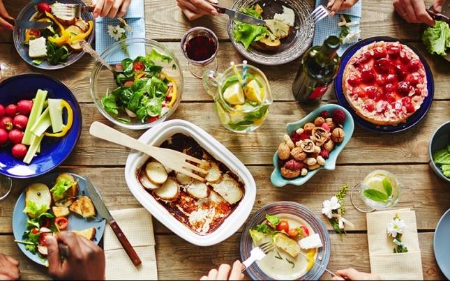 Jak se stravovat na oslavě